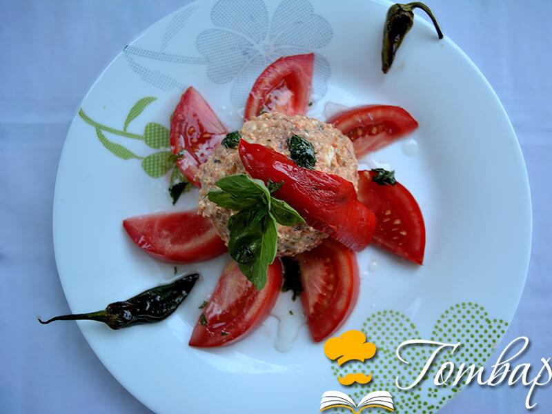 Салата с домати и урнебес