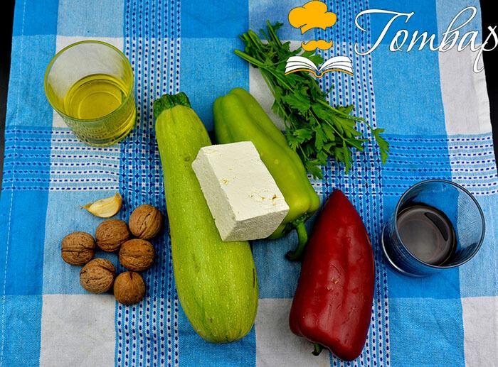 Готвар, рецепта - Запечено сирене със зеленчуци