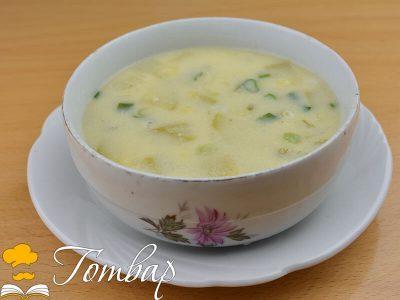 Здравословна супа от тиквички с къри