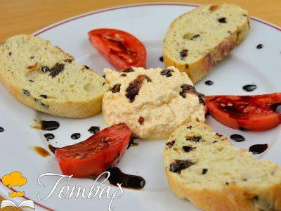 Шопски хайвер с чабата, домати и балсамико