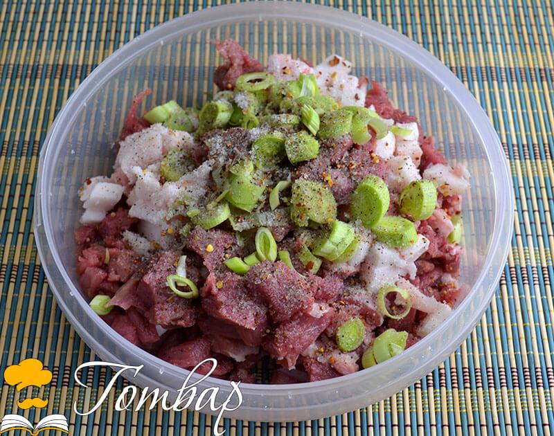 овкусяване на свински суджук рецепта готвар Приготвяне на домашна луканка