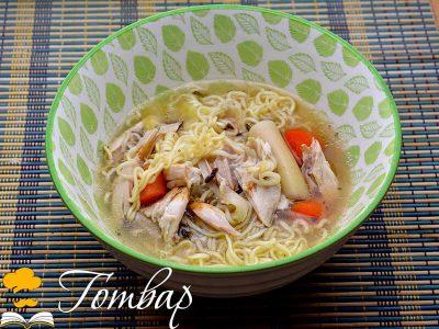 Пикантна пилешка супа с нудъли