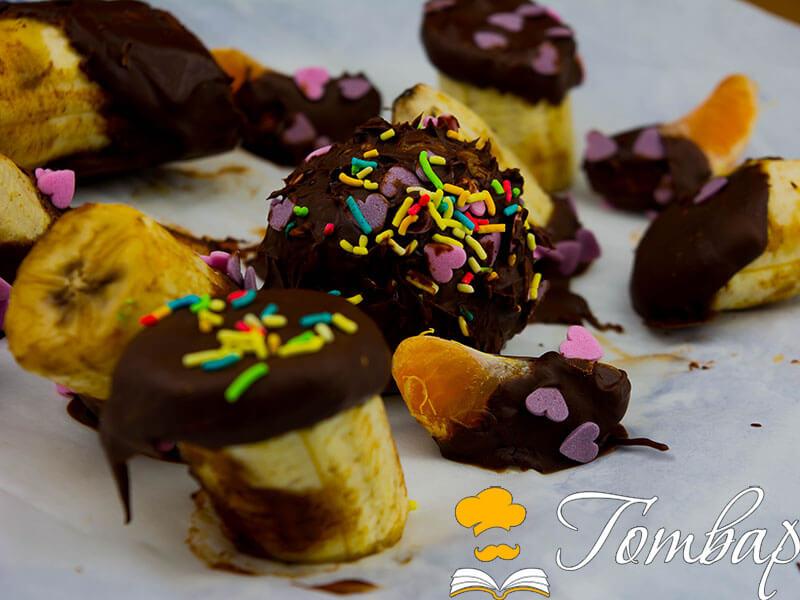 Любов в кухнята: Плодове, потопени в шоколад