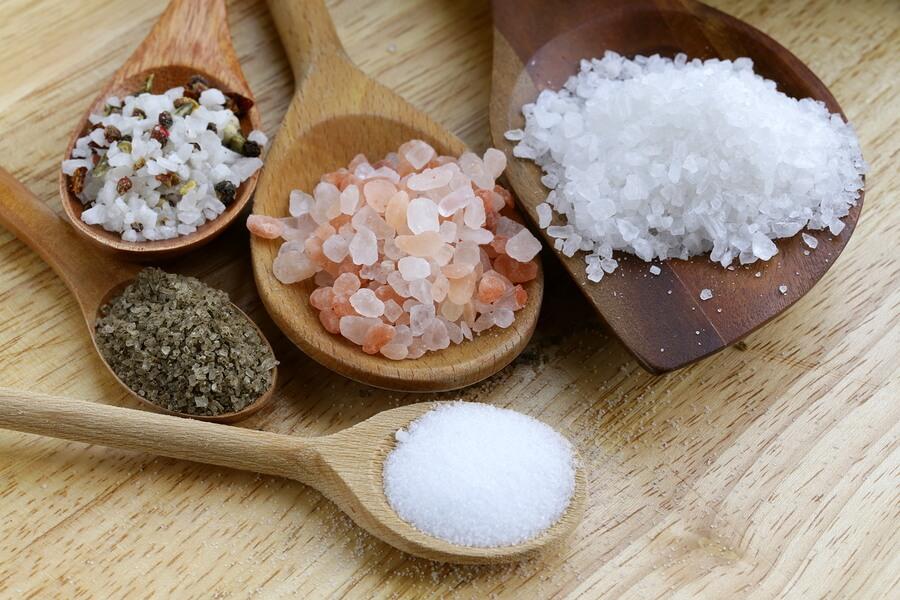 видове сол, готварска съставка, морска сол, трапезна сол, готварска сол, обикновена сол, хималайска сол, морска сол, кристална сол, кашер сол, калиева сол, йодирана сол, келтска сол, готвар