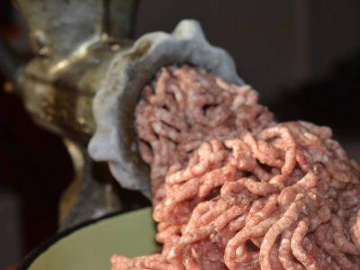 Приготвяне на домашна луканка – в  търсене на съвършения вкус