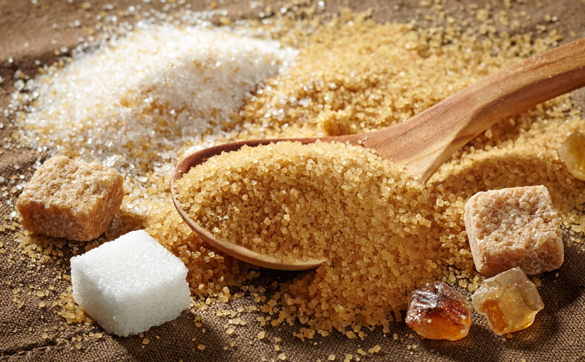 маслиното олио, слънчогледово олио, палмово олио, тръстикова захар, мононатриев глутамас, готвар